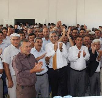 Başkan Konuk, Altınekin'de Çiftçilerle Buluştu